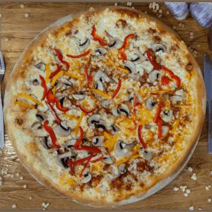 Pizza Bolognese w Slice of Heaven