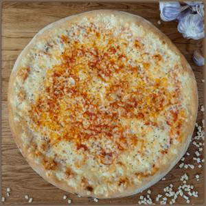 Pizza Margherita w Slice of Heaven
