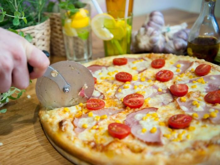 Dostawa pizzy na Hubach